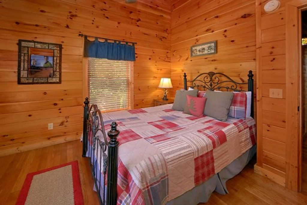 Photo of a Sevierville Cabin named Mountain Wonderland - This is the twenty-third photo in the set.
