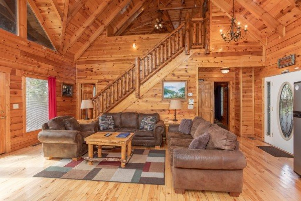 Photo of a Gatlinburg Cabin named Summit View - This is the fourth photo in the set.