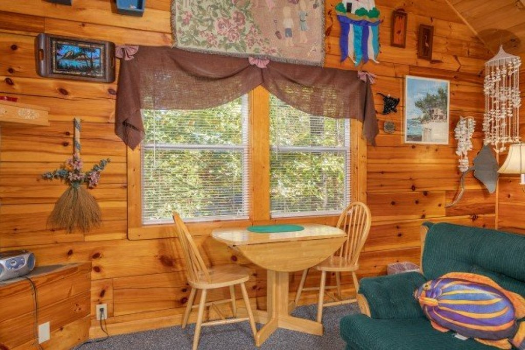 Photo of a Sevierville Cabin named Forever Yours - This is the seventh photo in the set.