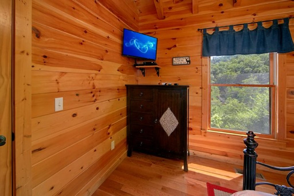Photo of a Sevierville Cabin named Mountain Wonderland - This is the twenty-fourth photo in the set.