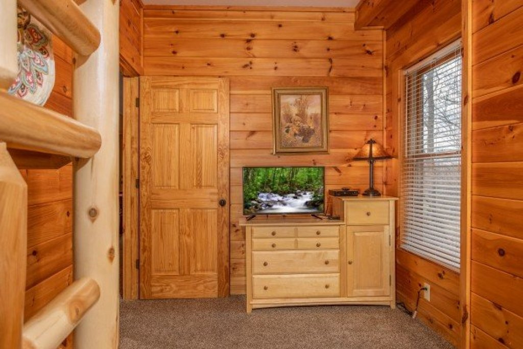 Photo of a Pigeon Forge Cabin named The Cowboy Way - This is the twenty-fifth photo in the set.