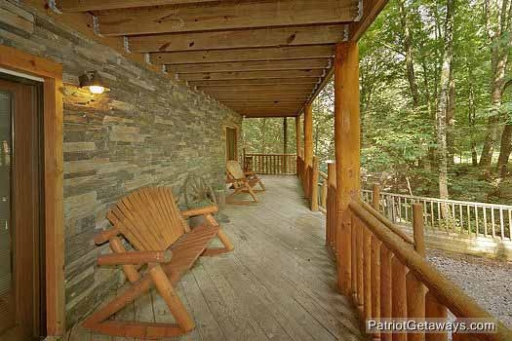 Photo of a Sevierville Cabin named Bear Creek - This is the seventeenth photo in the set.