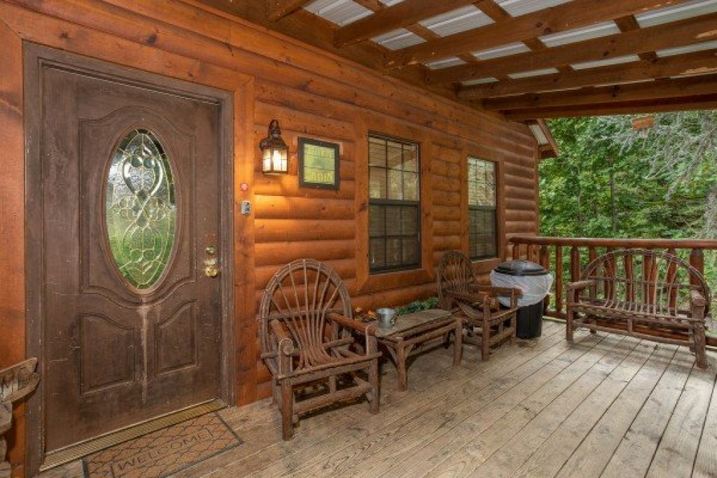 Photo of a Pigeon Forge Cabin named Paradise View - This is the fourth photo in the set.