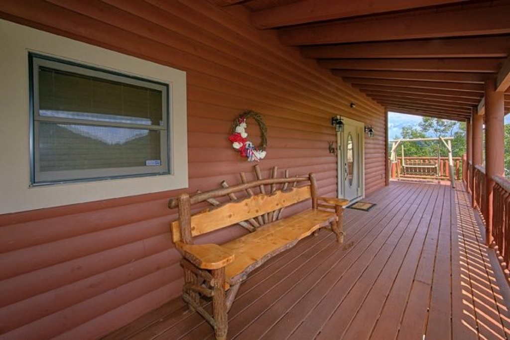 Photo of a Sevierville Cabin named Mountain Wonderland - This is the twenty-eighth photo in the set.
