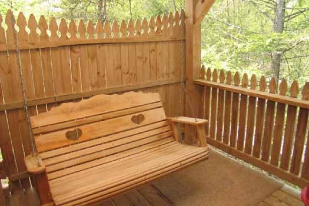 Photo of a Sevierville Cabin named Forever Yours - This is the fourteenth photo in the set.