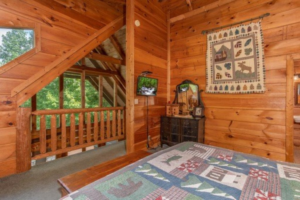 Photo of a Sevierville Cabin named Aw Paw's Place - This is the sixteenth photo in the set.