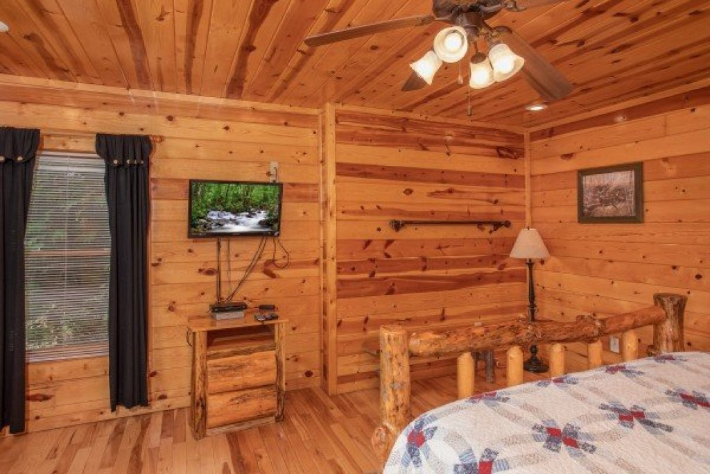 Photo of a Gatlinburg Cabin named Summit View - This is the tenth photo in the set.