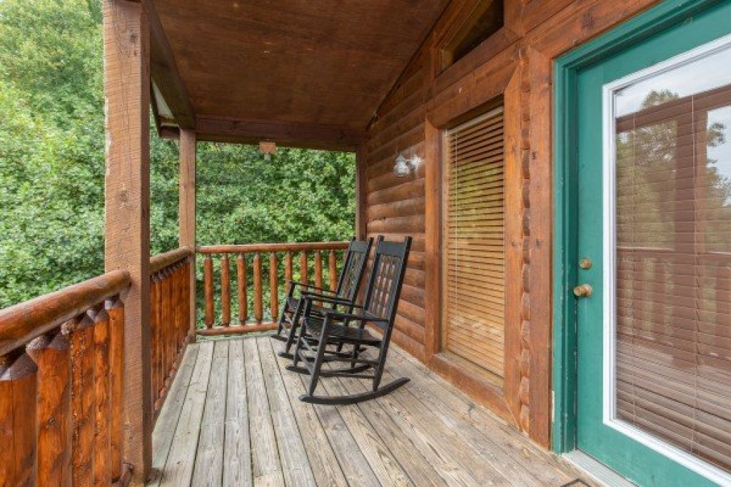 Photo of a Pigeon Forge Cabin named Paradise View - This is the fifteenth photo in the set.