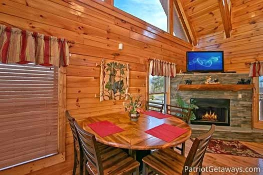 Photo of a Gatlinburg Cabin named Tree Top Lodge - This is the sixth photo in the set.