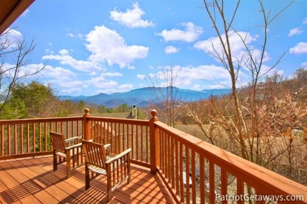 Photo of a Gatlinburg Cabin named Gatlinburg Getaway - This is the first photo in the set.