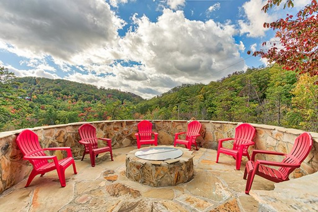 Photo of a Sevierville Cabin named Mountain Wonderland - This is the first photo in the set.