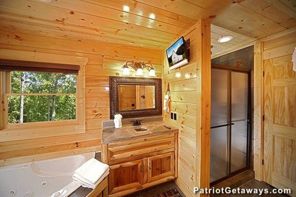 Photo of a Gatlinburg Cabin named Incredible! - This is the twenty-ninth photo in the set.