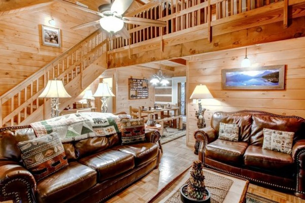 Photo of a Sevierville Cabin named Creekside Comfort - This is the fifth photo in the set.