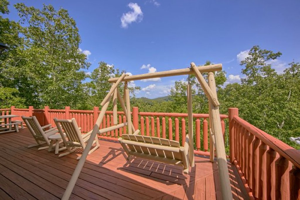 Photo of a Sevierville Cabin named Mountain Wonderland - This is the twenty-ninth photo in the set.
