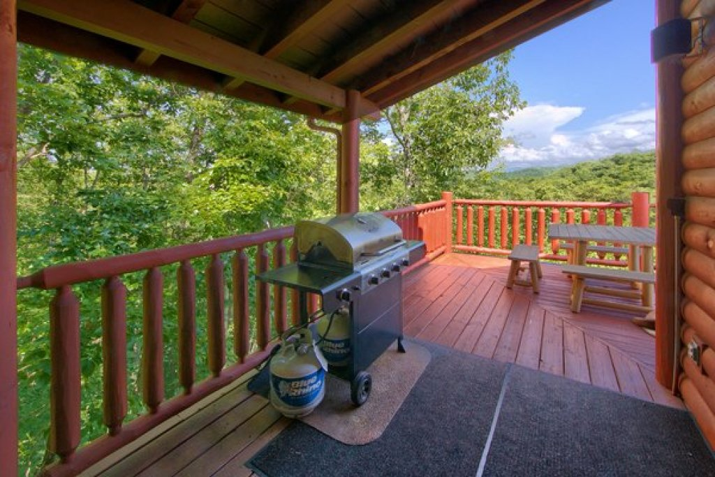 Photo of a Sevierville Cabin named Mountain Wonderland - This is the thirtieth photo in the set.