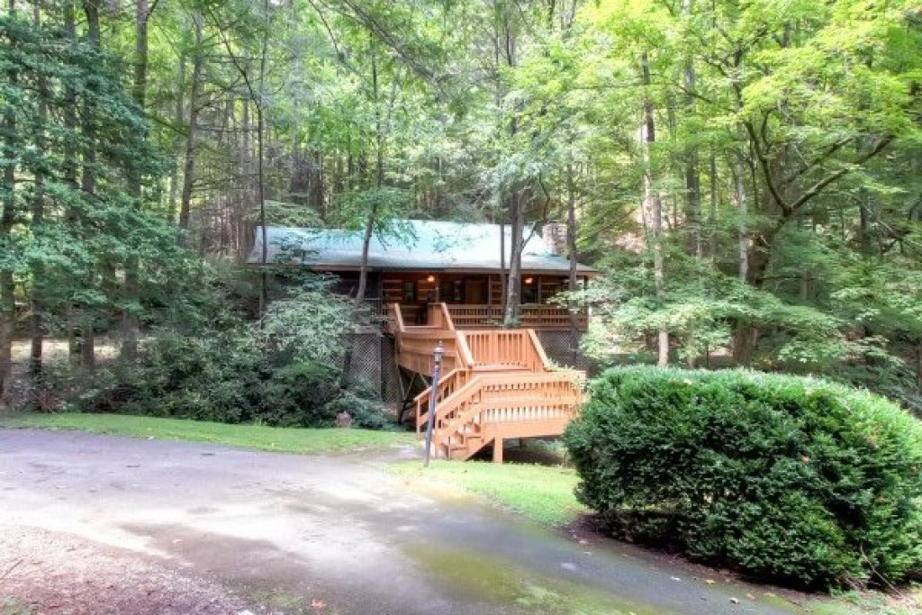 Photo of a Sevierville Cabin named Creekside Comfort - This is the thirtieth photo in the set.