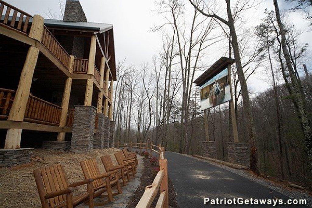 Photo of a Gatlinburg Cabin named Incredible! - This is the thirty-fifth photo in the set.