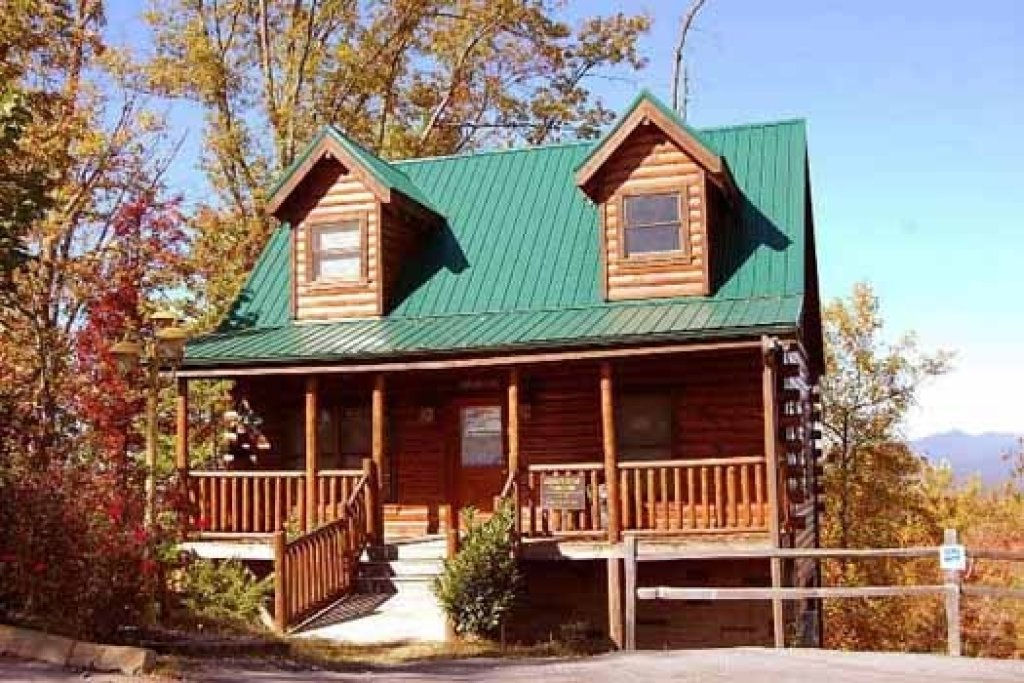 Tree Top Lodge In Gatlinburg W 3 Br Sleeps10