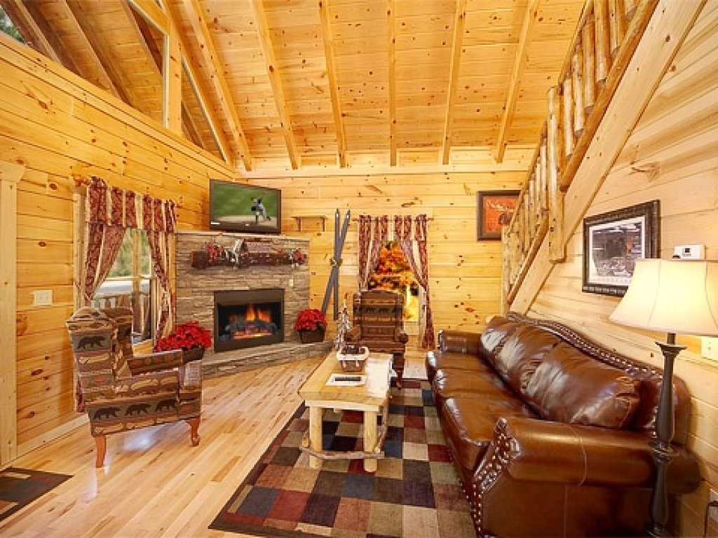 Photo of a Gatlinburg Cabin named Natural Wonder - This is the second photo in the set.