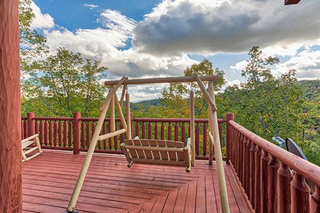 Photo of a Sevierville Cabin named Mountain Wonderland - This is the sixteenth photo in the set.