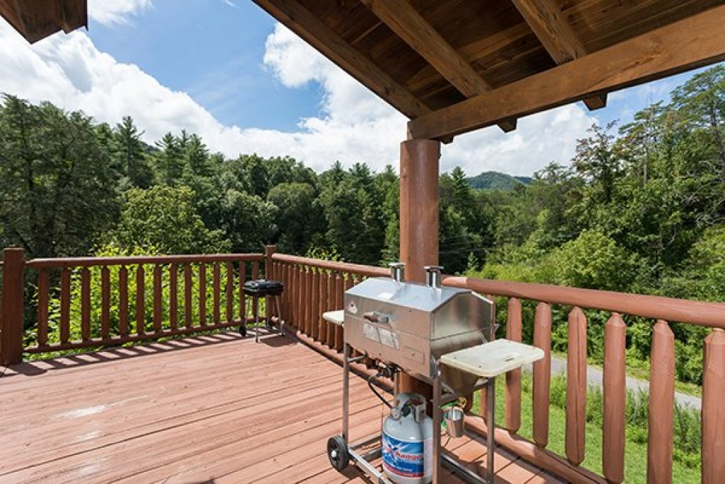 Photo of a Sevierville Cabin named Longwalker Lodge - This is the seventh photo in the set.