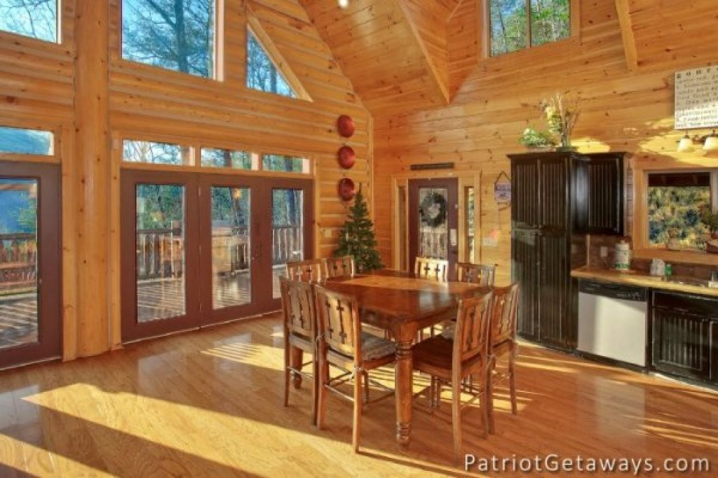 Photo of a Pigeon Forge Cabin named Taj Mahal - This is the seventh photo in the set.
