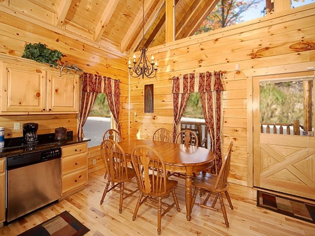 Photo of a Gatlinburg Cabin named Natural Wonder - This is the fifth photo in the set.