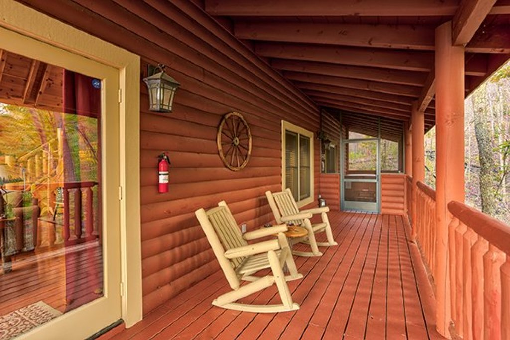 Photo of a Sevierville Cabin named Mountain Wonderland - This is the twelfth photo in the set.