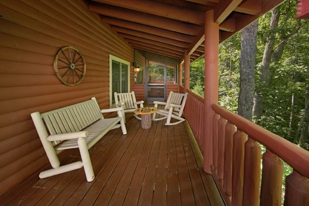 Photo of a Sevierville Cabin named Mountain Wonderland - This is the thirty-first photo in the set.