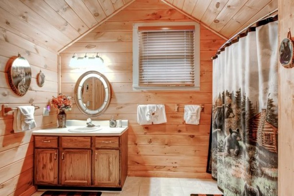 Photo of a Sevierville Cabin named Creekside Comfort - This is the twenty-second photo in the set.