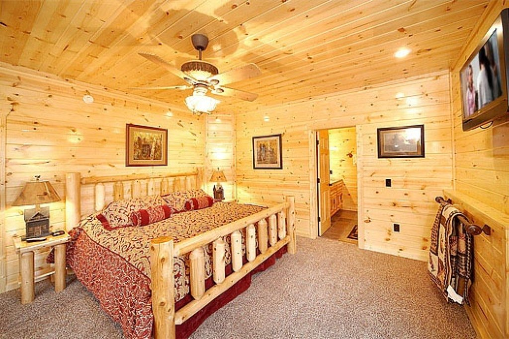 Photo of a Gatlinburg Cabin named Incredible! - This is the thirtieth photo in the set.