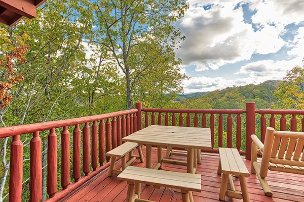 Photo of a Sevierville Cabin named Mountain Wonderland - This is the tenth photo in the set.