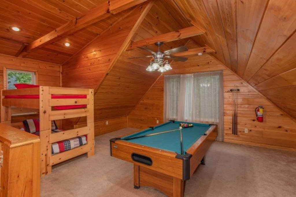 Photo of a Gatlinburg Cabin named Eastern Retreat - This is the fifteenth photo in the set.