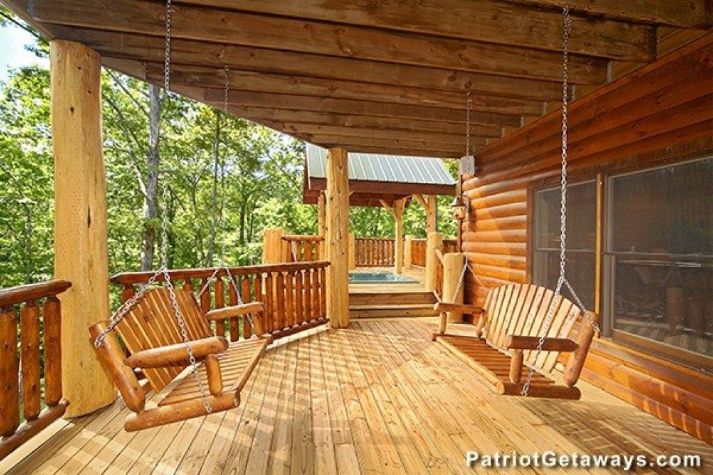 Photo of a Gatlinburg Cabin named Incredible! - This is the thirty-second photo in the set.