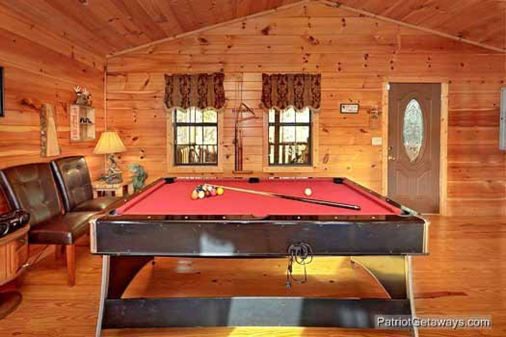 Photo of a Pigeon Forge Cabin named Paradise View - This is the eighth photo in the set.