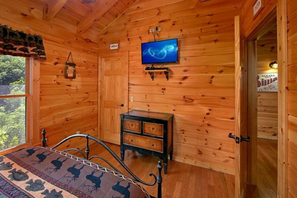 Photo of a Sevierville Cabin named Mountain Wonderland - This is the twenty-sixth photo in the set.