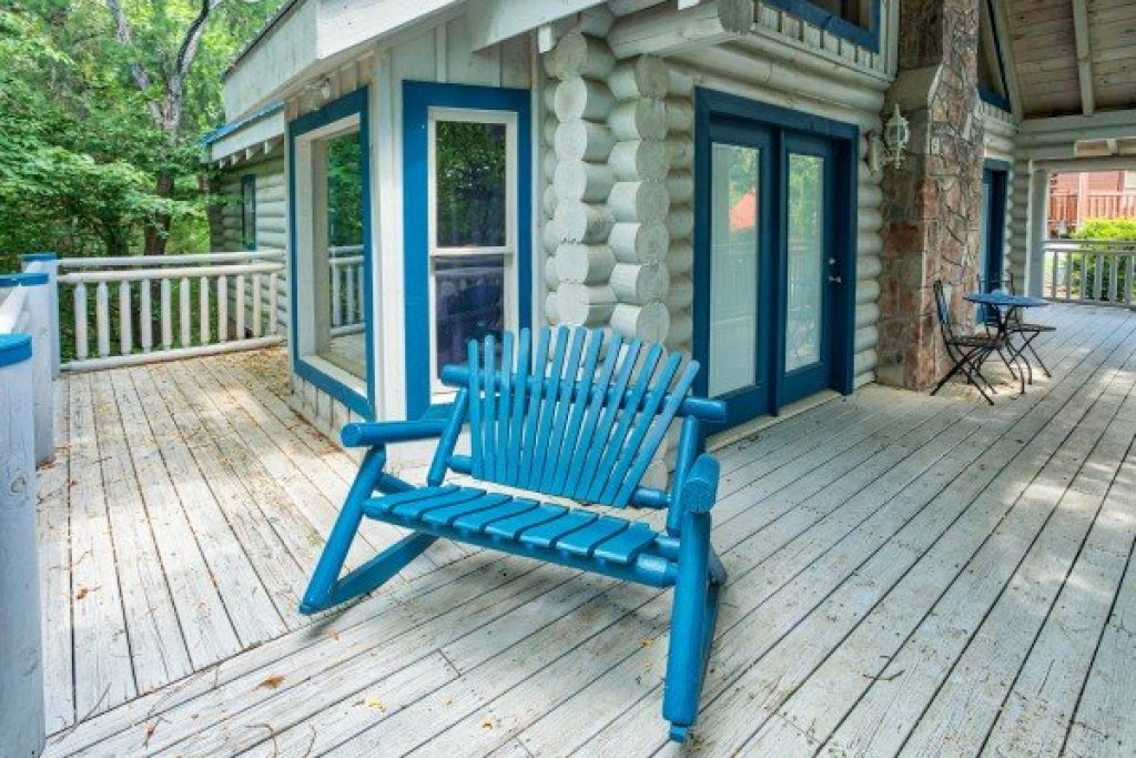 Photo of a Pigeon Forge Cabin named Alpine Something Blue - This is the seventh photo in the set.