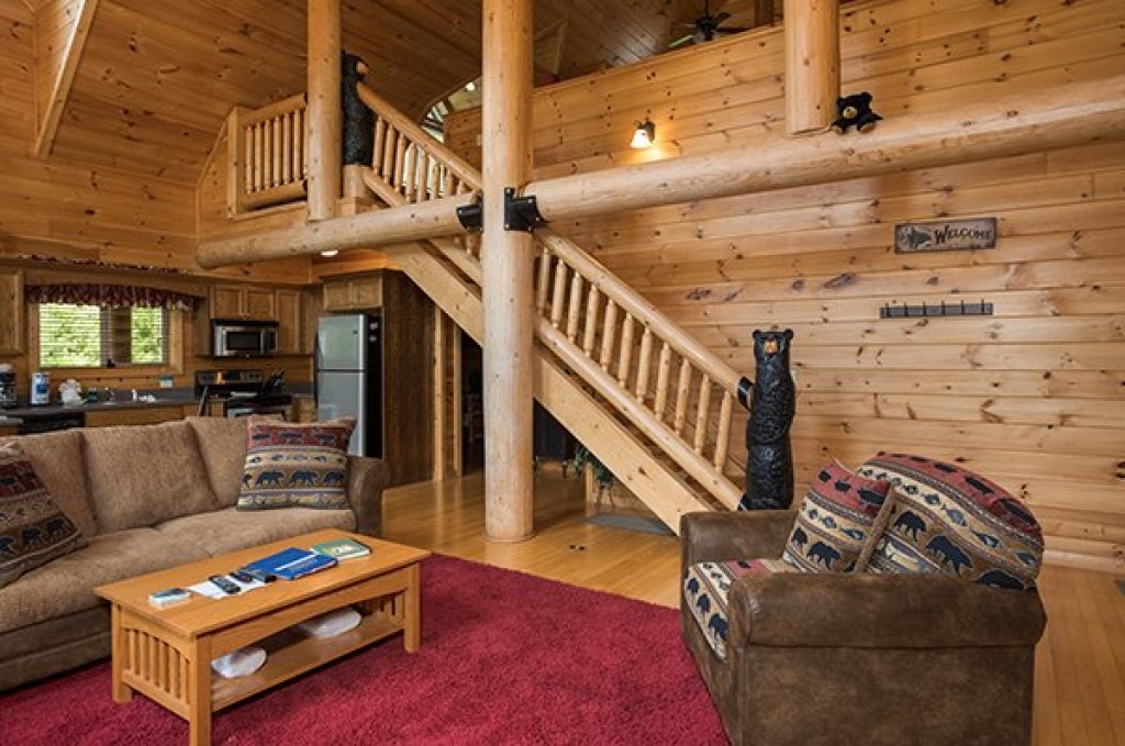 Photo of a Sevierville Cabin named Longwalker Lodge - This is the fourth photo in the set.