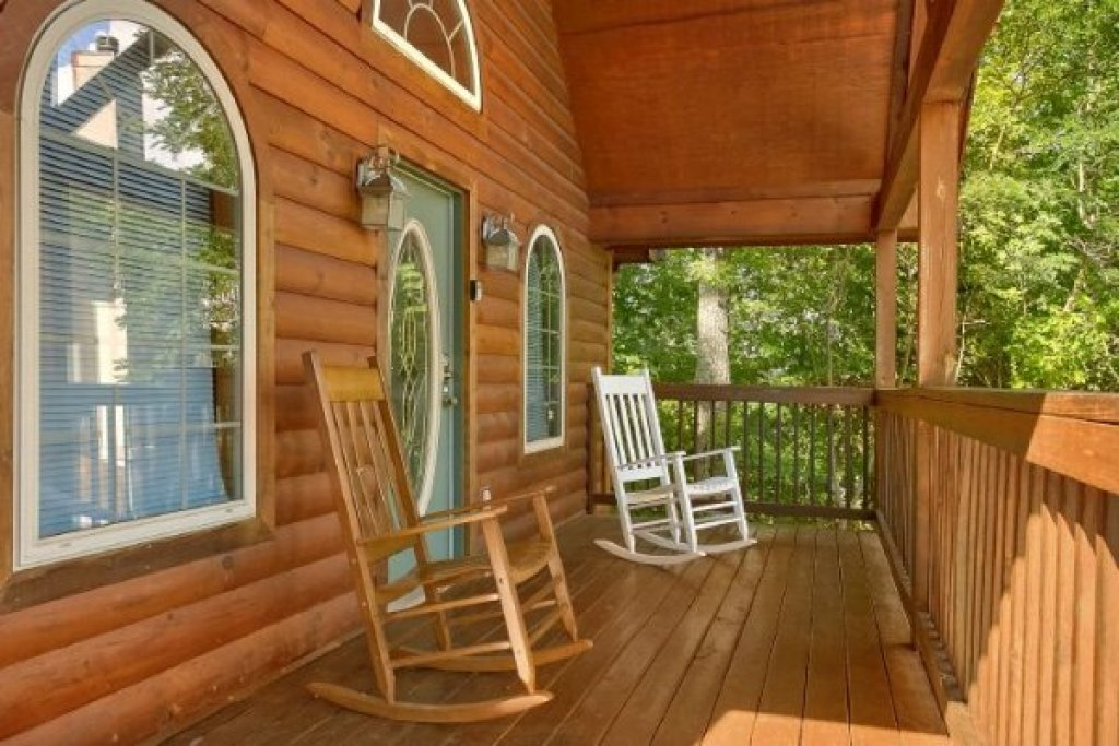 Photo of a Gatlinburg Cabin named Eastern Retreat - This is the second photo in the set.