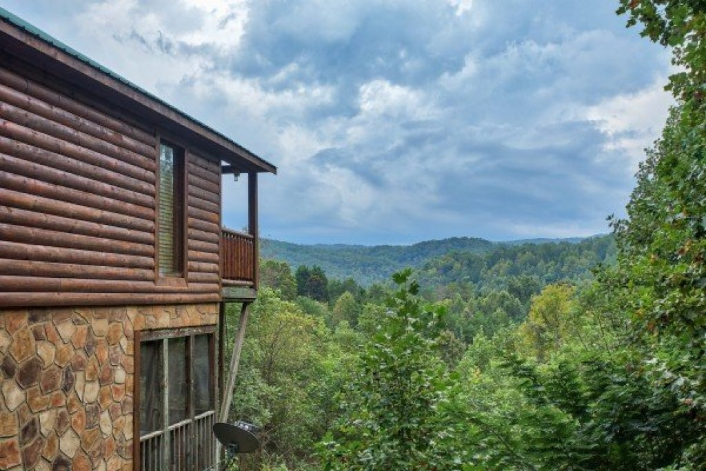 Photo of a Pigeon Forge Cabin named Paradise View - This is the nineteenth photo in the set.
