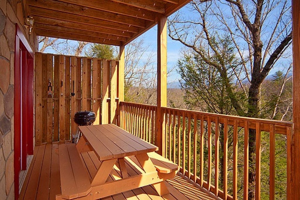Photo of a Gatlinburg Cabin named Highlander - This is the seventeenth photo in the set.