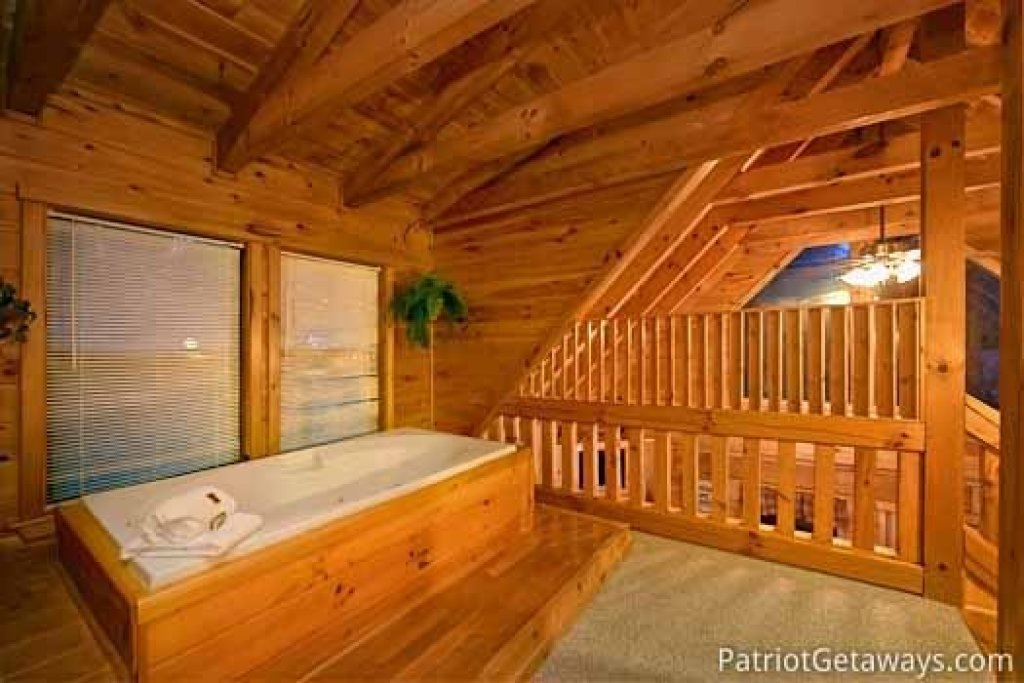Photo of a Gatlinburg Cabin named Honeymoon In Gatlinburg - This is the ninth photo in the set.