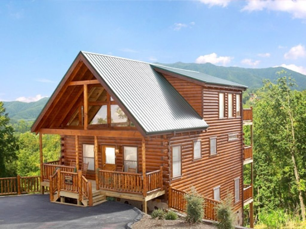 Photo of a Gatlinburg Cabin named Natural Wonder - This is the first photo in the set.