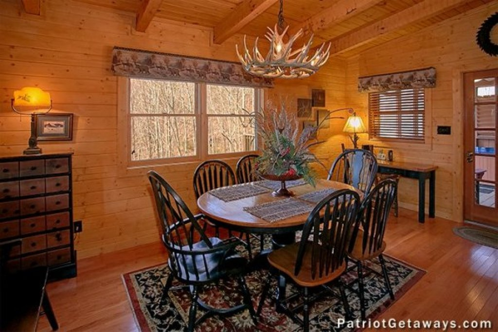 Photo of a Sevierville Cabin named Stags Leap - This is the ninth photo in the set.