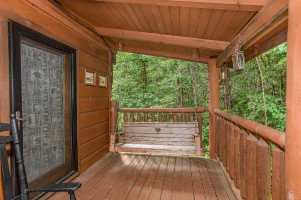 Photo of a Sevierville Cabin named Aw Paw's Place - This is the nineteenth photo in the set.