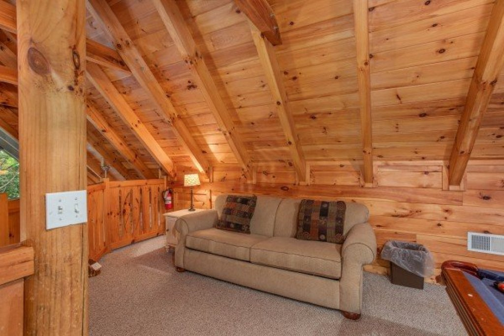Photo of a Pigeon Forge Cabin named Alpine Something Blue - This is the sixteenth photo in the set.