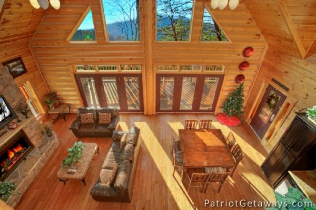 Photo of a Pigeon Forge Cabin named Taj Mahal - This is the fifth photo in the set.