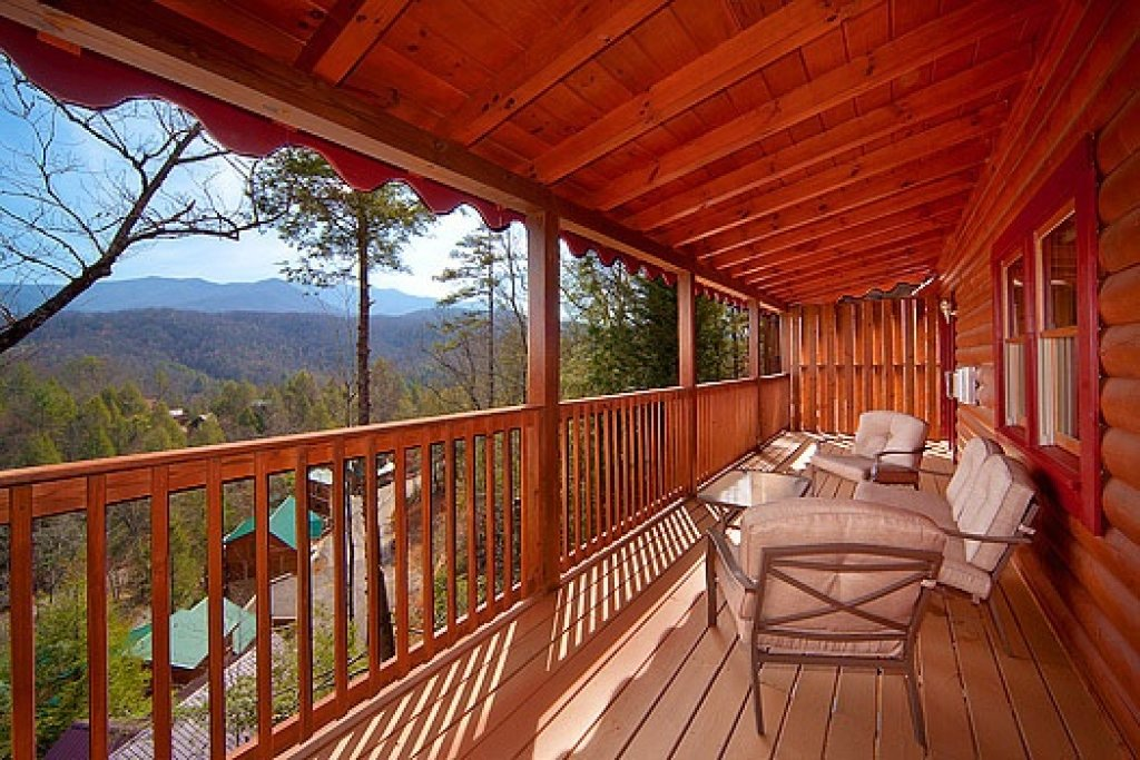 Photo of a Gatlinburg Cabin named Highlander - This is the eighteenth photo in the set.