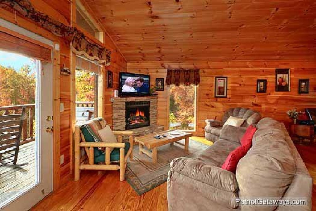 Photo of a Pigeon Forge Cabin named Paradise View - This is the fifth photo in the set.