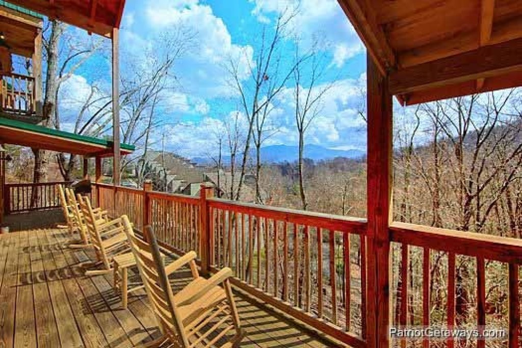 Photo of a Gatlinburg Cabin named Alpine Pointe - This is the nineteenth photo in the set.